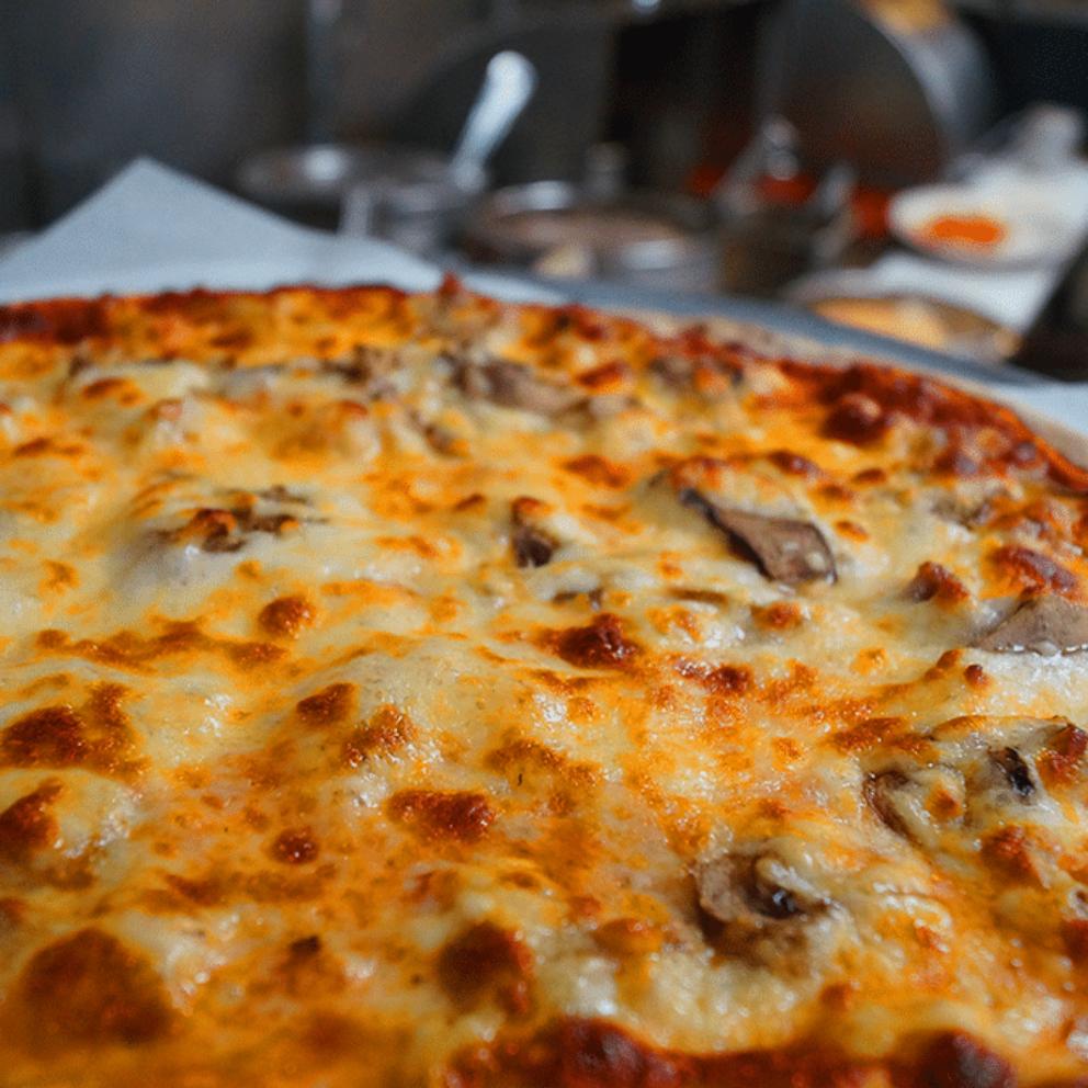 best pizza in kenosha, pizza kenosha, pizza place in kenosha