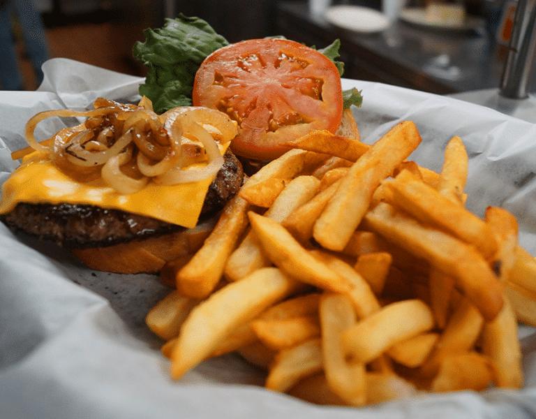 restaurant in kenosha, burgers in kenosha, dinner in kenosha